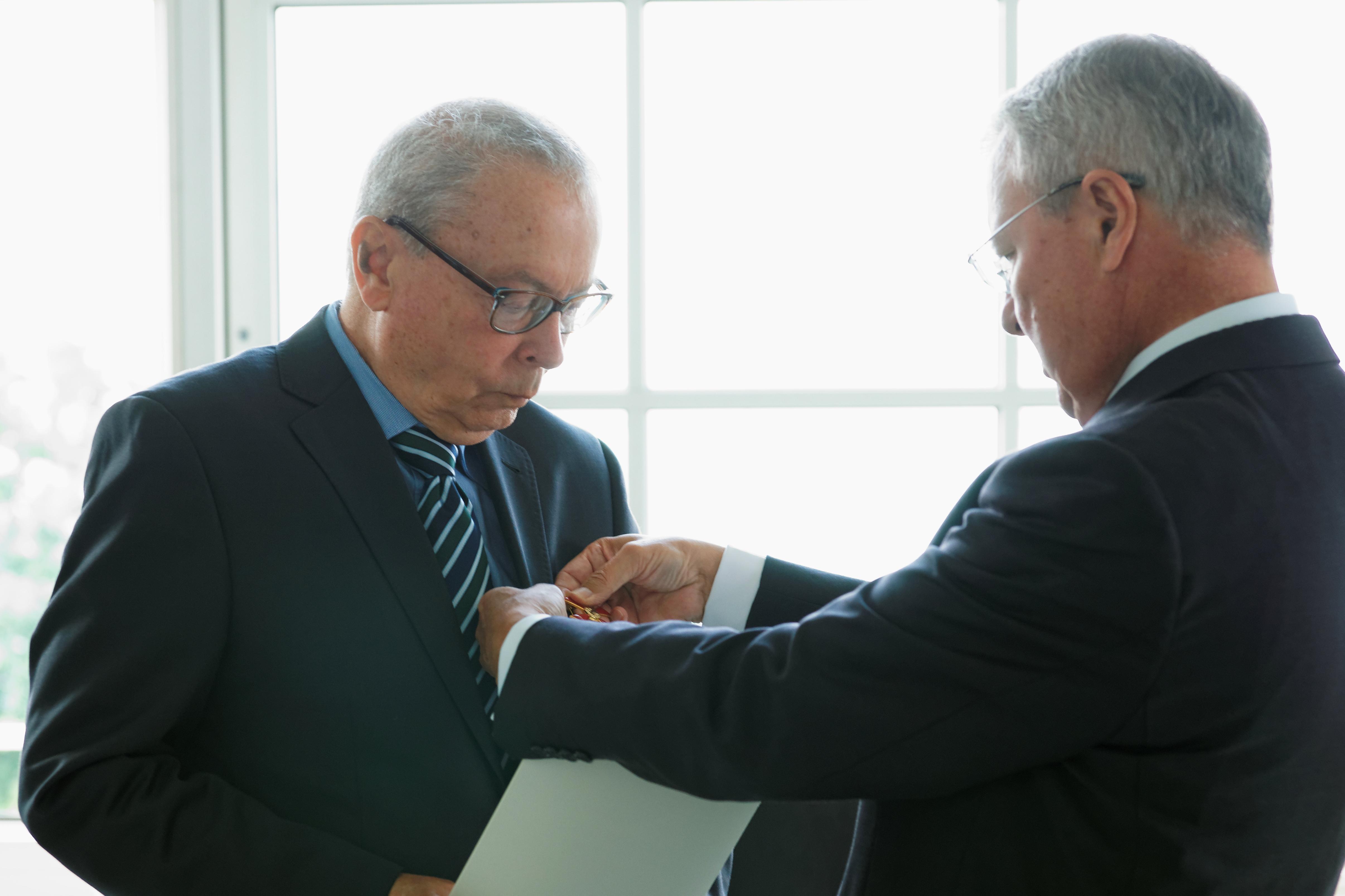 Bundesverdienstkreuz 1. Klasse für Prof. Peter Gola
