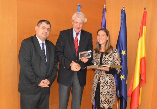 Peter Hustinx mit CEDPO-Datenschutz-Award ausgezeichnet